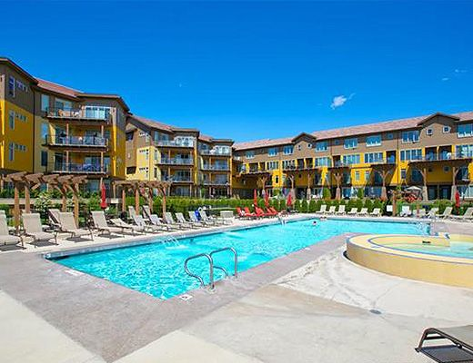 Barona Beach Lakefront Resort #1303 - 2 Bdrm + Den - West Kelowna