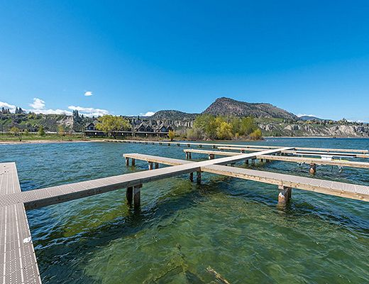 Executive Waterfront Townhome #3 - 3 Bdrm - Summerland (CVH)