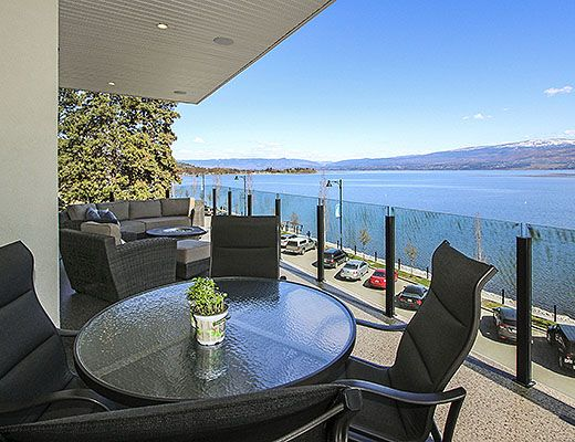 Sunrise Beach House - 5 Bdrm + Den HT - West Kelowna