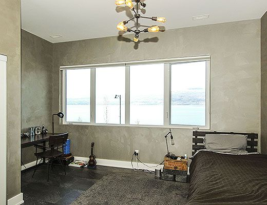 Sunrise Beach House - 3 Bdrm + Den HT - West Kelowna