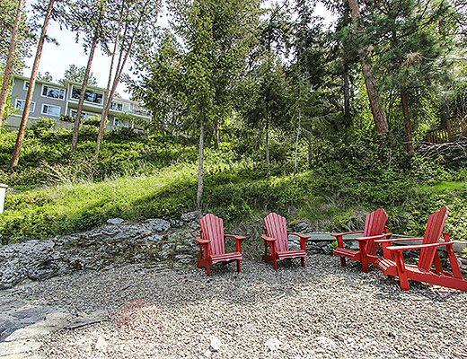 Lake House Getaway - 4 Bdrm - Kelowna (CVH)