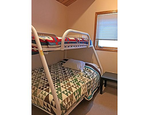 White Tail - 3 Bdrm + Loft + Den HT - Apex