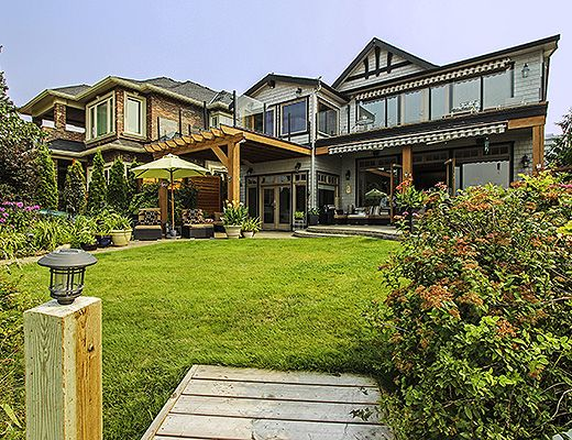 The Lakefront Residence - 3 Bdrm HT - Kelowna