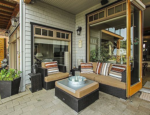 The Lakefront Residence - 3 Bdrm HT - Kelowna