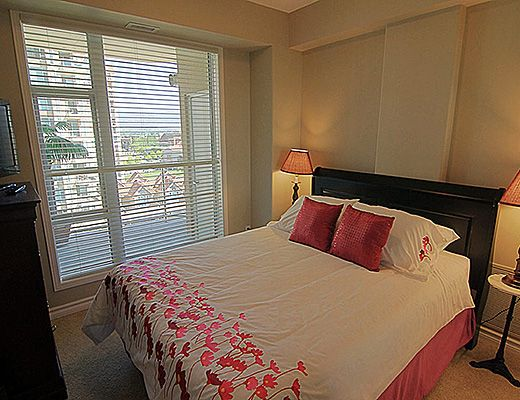 Sunset Waterfront Resort - #901 - 2 Bdrm + Den - Kelowna (KRA)