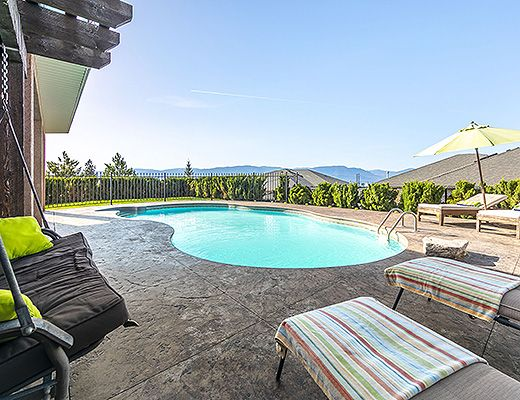 Heavenly Heights - 4 Bdrm w/ Heated Pool - Kelowna (CVH)