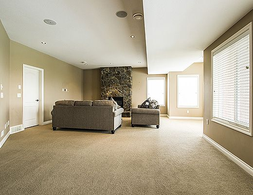 Heavenly Heights - 5 Bdrm w/ Heated Pool - Kelowna (CVH)