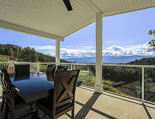 Hugh & Mary Vineyard - 4 Bdrm w/ Pool - West Kelowna