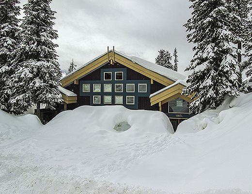 Avalanche Lodge - 3 Bdrm + Loft HT - Big White (CVH)