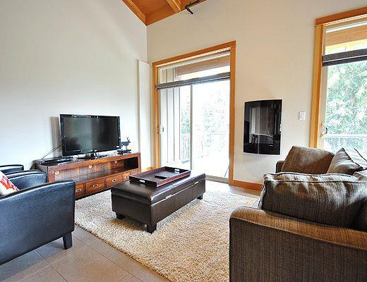 Kookaburra Lodge #402 - 3 Bdrm + Loft Penthouse HT - Sun Peaks (TM)