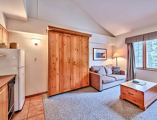 Hearthstone Lodge #221 - Studio + Loft (Family Suite) - Sun Peaks