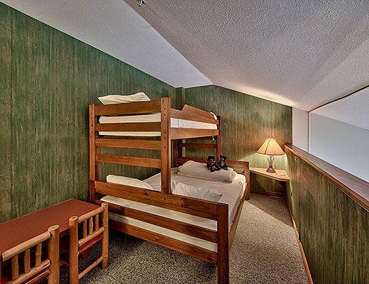 Hearthstone Lodge #221 - Studio + Loft (Family Suite) - Sun Peaks