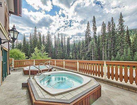 Hearthstone Lodge #321 - Studio + Den - Sun Peaks