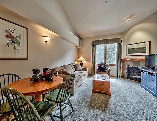 Hearthstone Lodge #329 - Studio + Loft - Sun Peaks