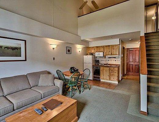 Hearthstone Lodge #336 - Studio + Loft - Sun Peaks