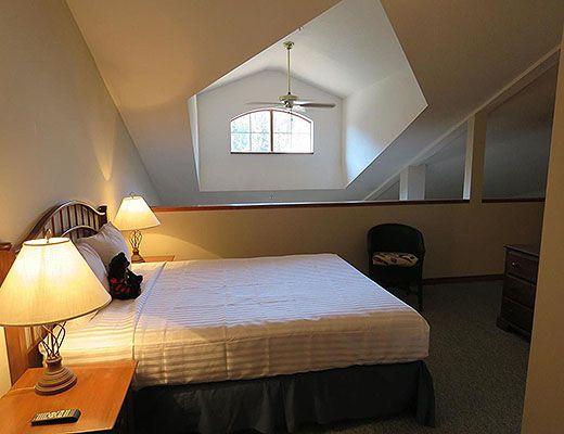 Hearthstone Lodge #407 - Lofted Family Suite - Sun Peaks