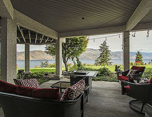 Aurora Lakeside - 5 Bdrm + Cottage HT - Peachland