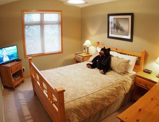 Snow Creek Village #09 - 3 Bdrm HT - Sun Peaks
