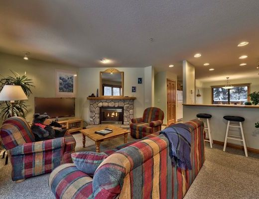 Snow Creek Village #20 - 2 Bdrm HT - Sun Peaks