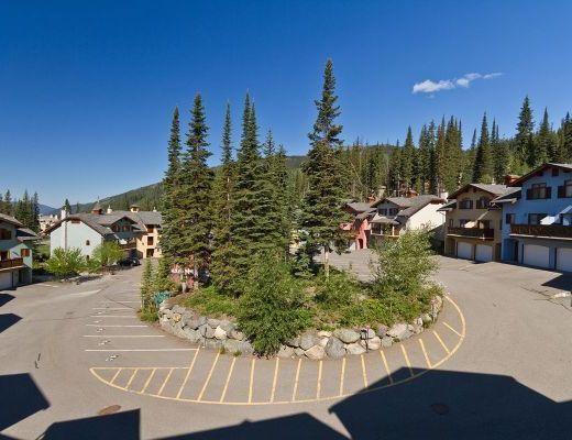 Snow Creek Village #20 - 2 Bdrm HT - Sun Peaks