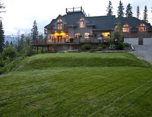 Elk View Lodge - 9 Bdrm HT - Fernie