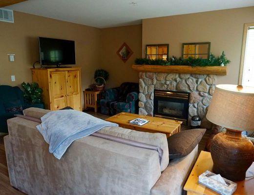 Stone Creek Lodge #15 - 2 Bdrm HT - Fernie