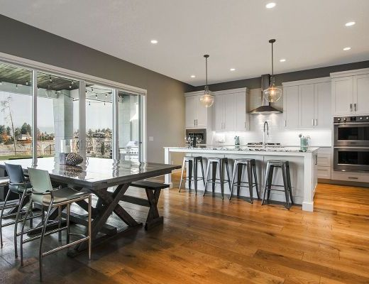 Contemporary Getaway - 5 Bdrm w/ Pool - Kelowna (CVH)