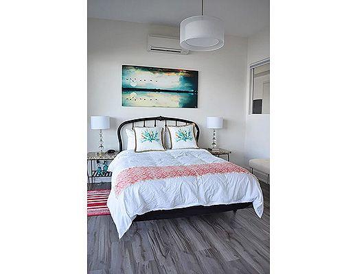 Sunrise Beach House - 5 Bdrm + Den HT - West Kelowna