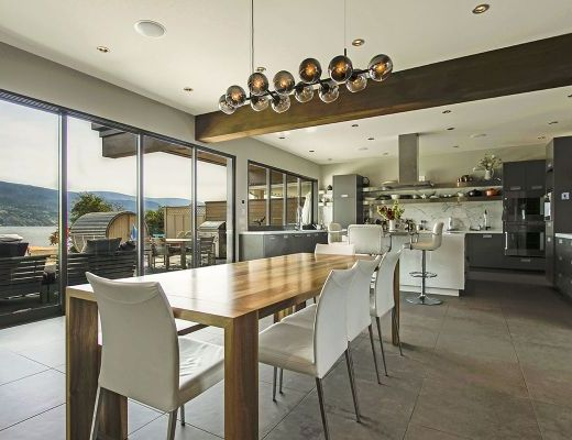 Contemporary Paradise - 4 Bdrm HT + Carriage House - Summerland