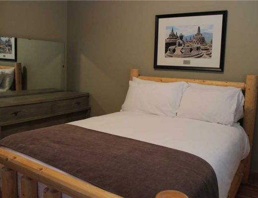 River Stone Lodge - 5 Bdrm HT - Fernie