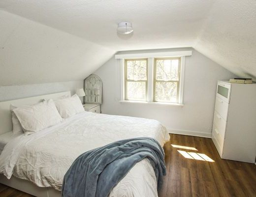 Cozy Cawston Cottage - 5 Bdrm - Kelowna
