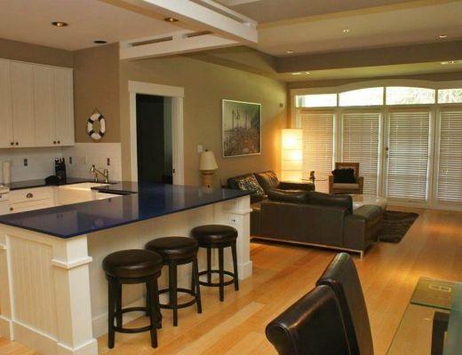Mission Shores - Garden Suite - Beachfront - 2 Bdrm + Den HT - Kelowna