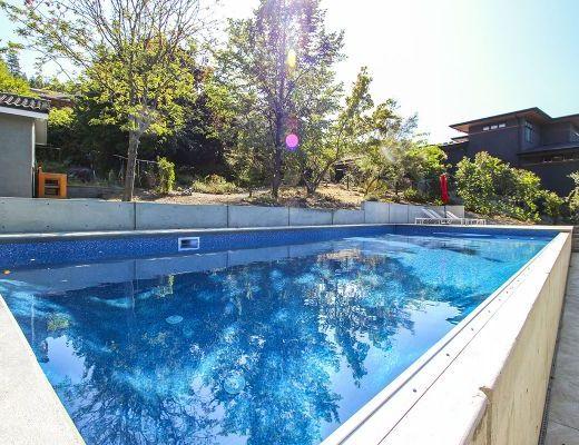 Naramata Splendour - 4 Bdrm w/ Pool - Naramata