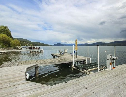 Willow Beach - 3 Bedroom Lakefront - Vernon