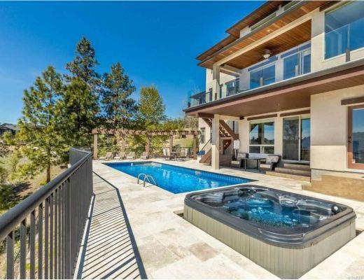 Wine Country Estate - 4 Bdrm HT w/ Pool - West Kelowna