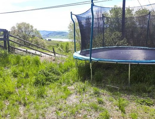 Country Pool Home - 4 Bdrm w/ Pool - Vernon