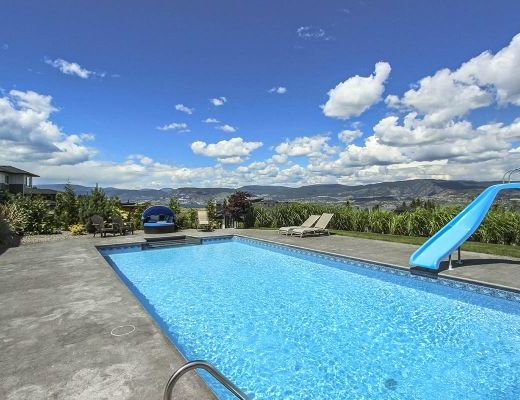Okanagan Summer - 5 Bedrm w/ Pool - Kelowna