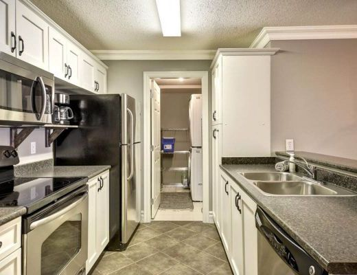 Eagles Chalet - 3 Bdrm HT - Big White