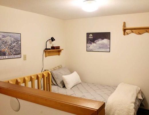The Snuggle Inn - Studio + Loft - Apex