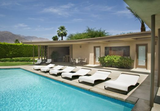 Palm Springs Luxury Home Rental Golf Bar Outdoor