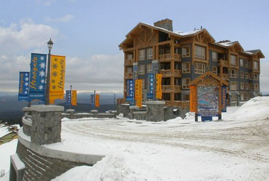 Stonegate Resort - 2 Bdrm w/ HT (E) - Big White