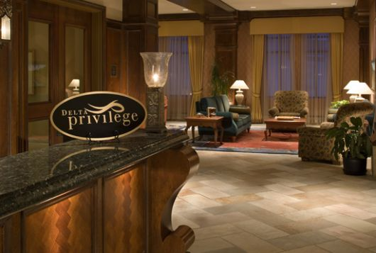 Sun Peaks Grand Hotel - Deluxe Room w/ Mtn View - Sun Peaks
