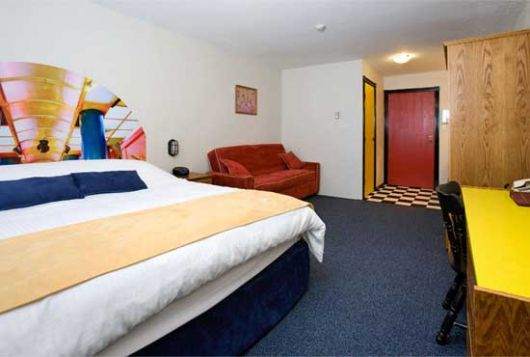 Bulldog Hotel - Standard Hotel Room - Silver Star