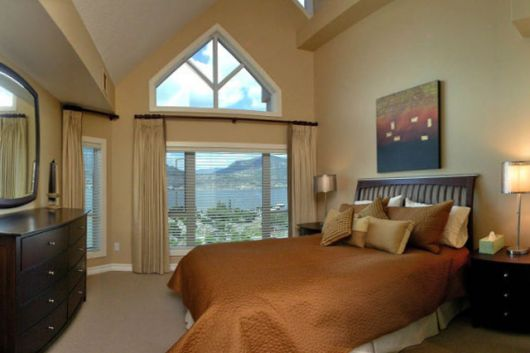 Sunset Waterfront Resort - #2001 - 4 Bdrm Penthouse - Kelowna (KRA)