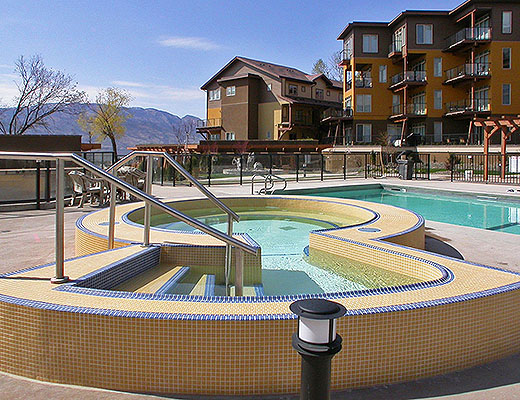 Barona Beach Lakefront Resort #8206 - 1 Bdrm + Den - West Kelowna