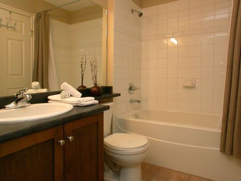 Sunset Waterfront Resort - #104 - 1 Bdrm + Den - Kelowna (KRA)