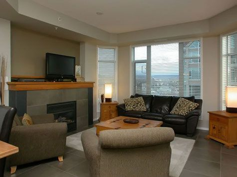 Sunset Waterfront Resort - #803 - 1 Bdrm + Den - Kelowna (KRA)