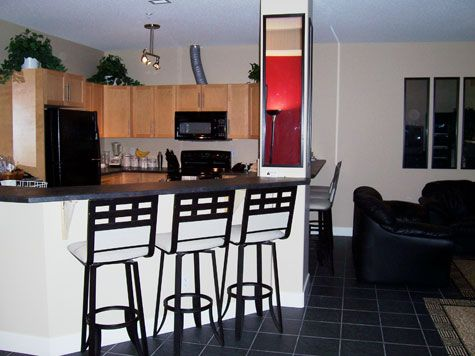 Sunset Waterfront Resort - #112 - 2 Bdrm - Kelowna (KRA)