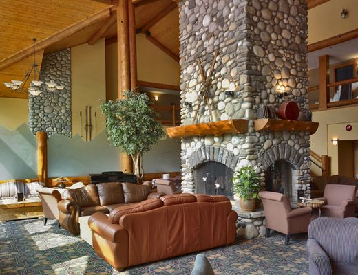 Lizard Creek Lodge - 2 Bdrm + Loft - Fernie