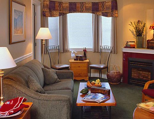 Lord Aberdeen Hotel - 1 Bdrm w/ Alcove HT (2nd Floor) - Silver Star